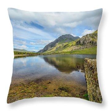 Llyn Idwal Snowdonia Throw Pillow