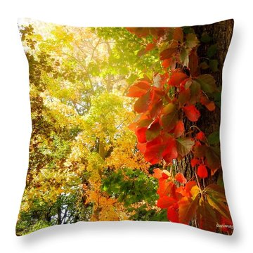 Minnesota Jungle Throw Pillow