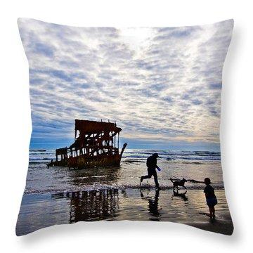 Peter Iredale Shipwreck, Fort Stevens Throw Pillow