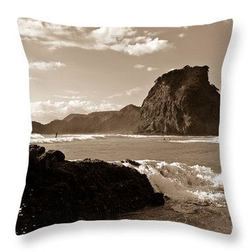 Piha Beach New Zealand Throw Pillow