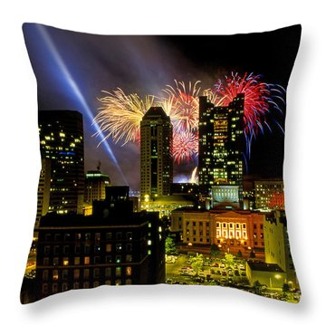 21l334 Red White And Boom Fireworks Display Photo Throw Pillow