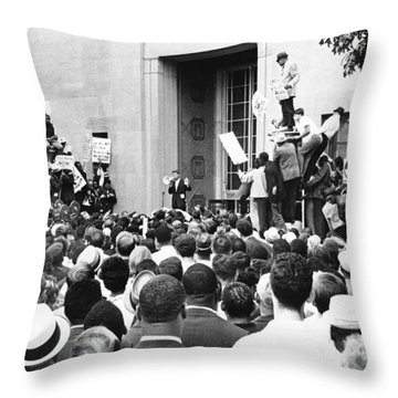 Robert Kennedy Throw Pillow by Underwood Archives