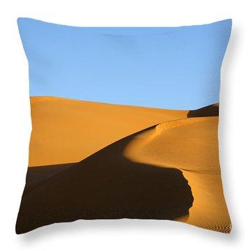 Sand Dunes Of The Sahara Desert Throw Pillow by Robert Preston