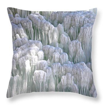 Spectacular Ice Fountain In Letchworth State Park - 4 Throw Pillow