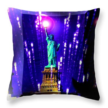 Statue Of Liberty Throw Pillow by Daniel Janda