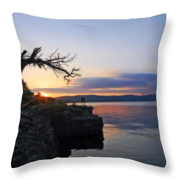 Sunrise Over Table Rock Lake Throw Pillow