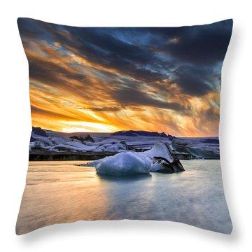 sunset at Jokulsarlon iceland Throw Pillow