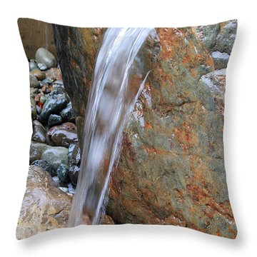 Water And Rocks II Throw Pillow