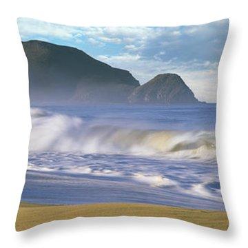 Waves Breaking On The Beach, Playa La Throw Pillow