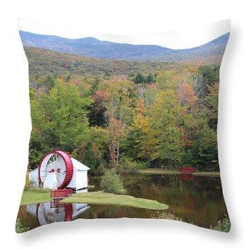 White Mountains Indian Head Nh Throw Pillow