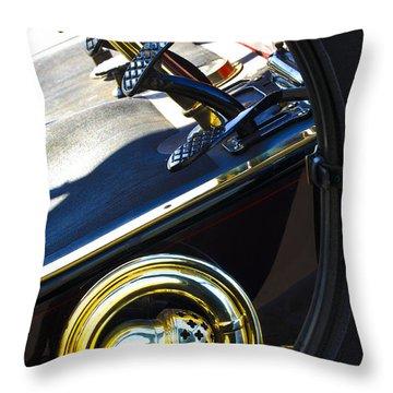 1907 Panhard Et Levassor Demi Toneau 38 Hp Horn Throw Pillow by Jill Reger