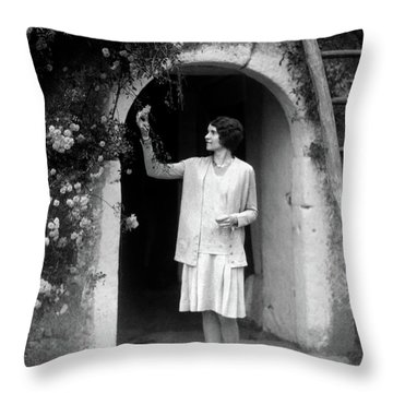 1920s 1930s Woman In Flapper Outfit Throw Pillow
