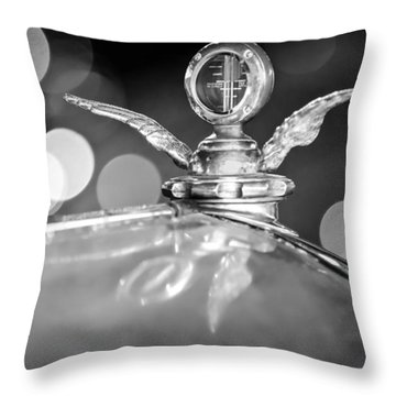 1921 Bentley Motometer Hood Ornament -0471bw Throw Pillow