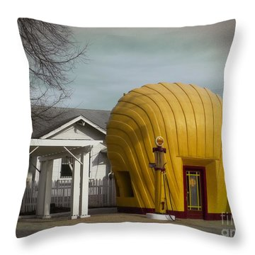 1930 Shell Station Throw Pillow