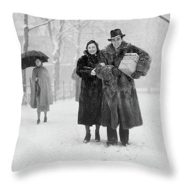 1930s Smiling Christmas Shopping Couple Throw Pillow