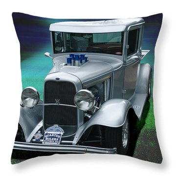 1932 Ford Pickup Throw Pillow