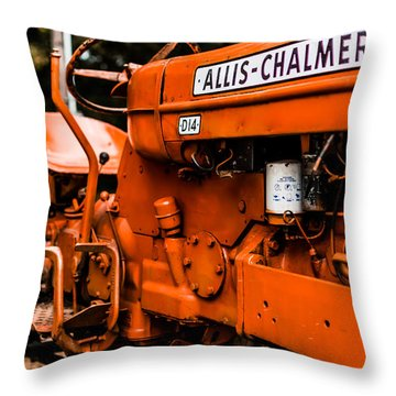 1950s-vintage Allis-chalmers D14 Tractor Throw Pillow