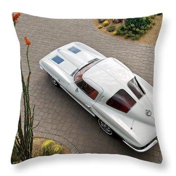 1963 Chevrolet Corvette Split Window -440c Throw Pillow