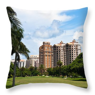 1st Hole At Granada Golf Course Throw Pillow