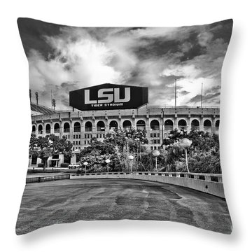 Death Valley - Hdr Bw Throw Pillow