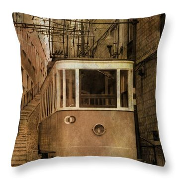 Elevador Da Bica Throw Pillow