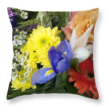 Floral Bouquet 4 Throw Pillow