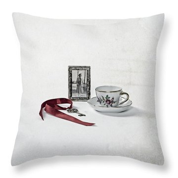 Key To My Memories Throw Pillow by Joana Kruse
