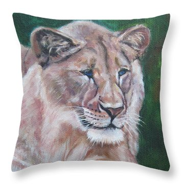 Queen Of The Beast,lioness Throw Pillow
