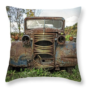 Old Junker Car Throw Pillow by Edward Fielding