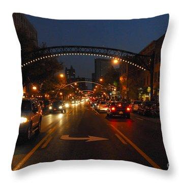 D8l-152 Short North Gallery Hop Photo Throw Pillow