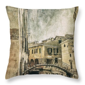 Venice Back In Time Throw Pillow