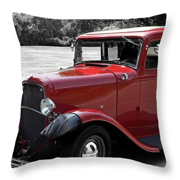 32 Ford Coupe Charmer Throw Pillow