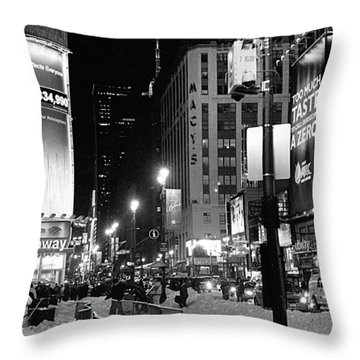 34th-8st Throw Pillow