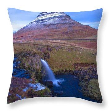 Iceland Throw Pillow by Mariusz Czajkowski