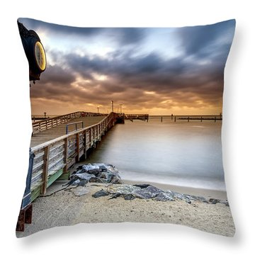 602 Am Throw Pillow