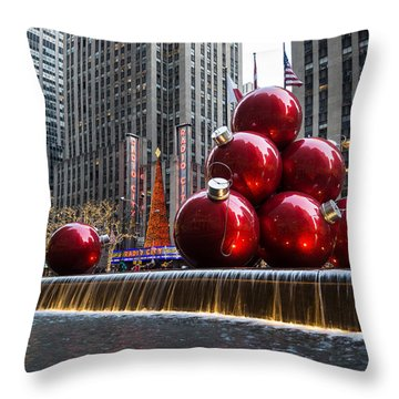 A Christmas Card From New York City - Radio City Music Hall And The Giant Red Balls Throw Pillow