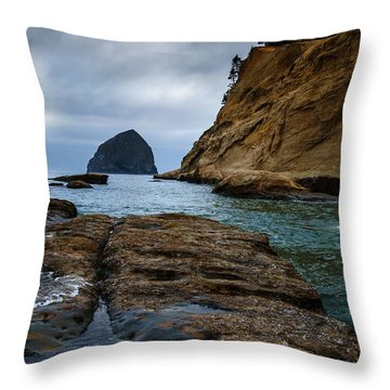 A Day At Cape Kiwanda Throw Pillow