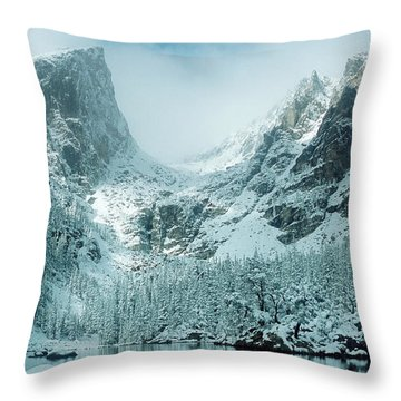 A Dream At Dream Lake Throw Pillow by Eric Glaser