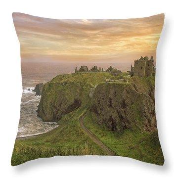 A Dunnottar Castle Sunrise - Scotland - Landscape Throw Pillow
