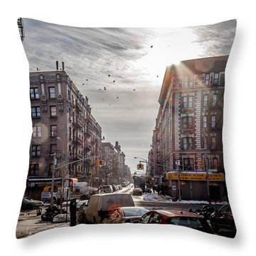 A Moment In Manhattan  Throw Pillow
