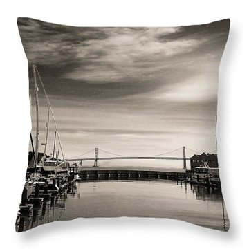 A Moment Of Silence In The City Throw Pillow