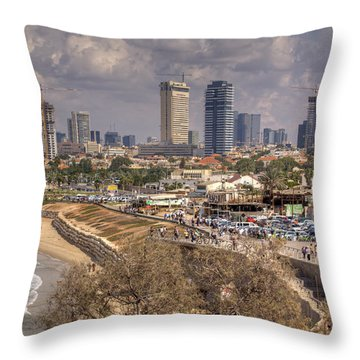 A Peacefull Morning Throw Pillow
