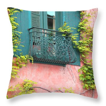 Garten Throw Pillows