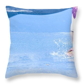 A Splishin' And A Splashin'  Throw Pillow by Theresa Tahara