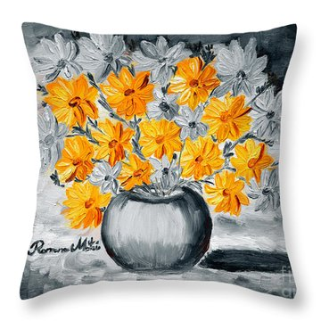 A Whole Bunch Of Daisies Selective Color I Throw Pillow