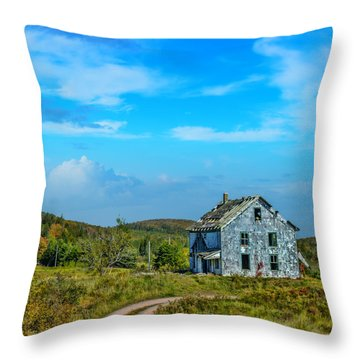 Abandoned Home Near Earltown Throw Pillow