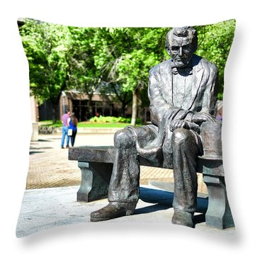 Abraham Lincoln Monument Throw Pillow