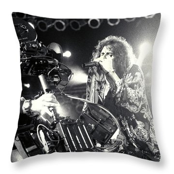 Aerosmith-steven-25 Throw Pillow