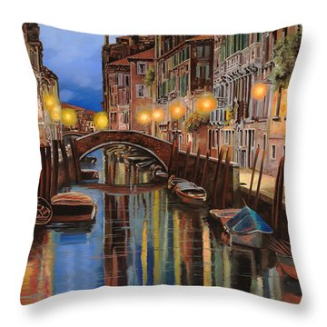 alba a Venezia  Throw Pillow