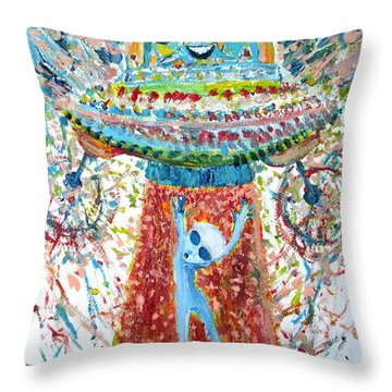 Aliens Abducting An Alien-cosmic Darwinism Throw Pillow by Fabrizio Cassetta
